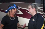 POISON'S BRET MICHAELS BACK OUT ON THE ROAD - (06/10/2015)
