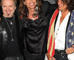 AEROSMITH MEMBERS AT ODDS OVER OBAMA MEETING AND VIRAL PHOTO - (10/31/2016)