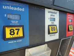 AAA: Gas Prices Decrease Slightly, But Don't Get Used To It